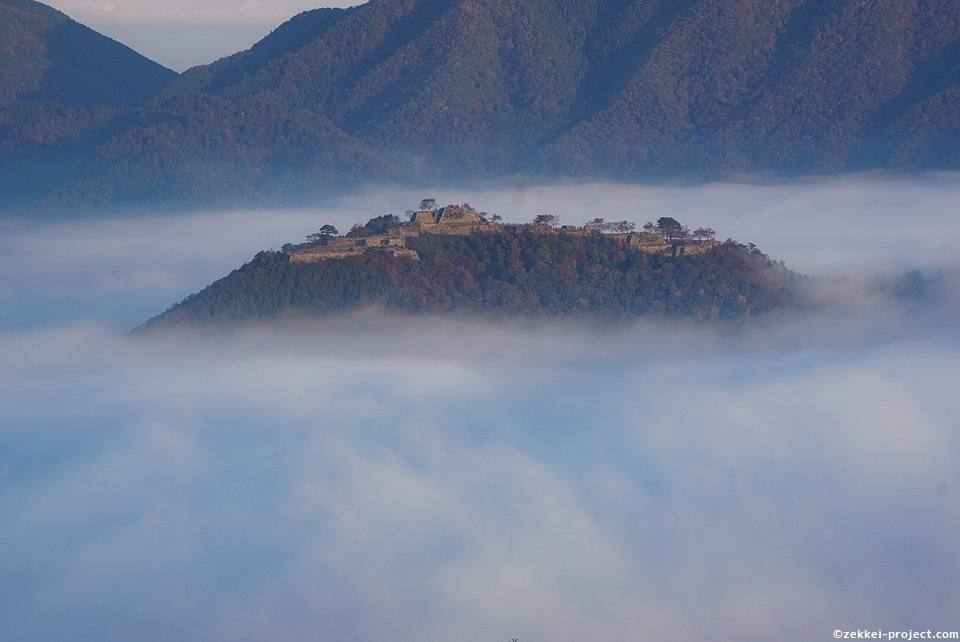 城跡 竹田 「天空の城」をみるために 竹田城跡・立雲峡早朝特集